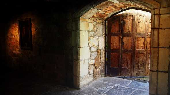 Dungeon Door